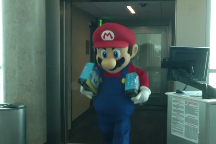Mario Surprises Entire Southwest Airlines Flight with Free Wii U Consoles