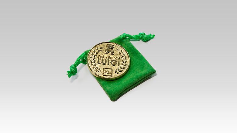 "Australian Club Nintendo offering ""30th Anniversary Luigi Coin"""